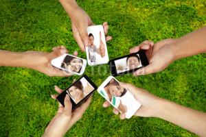 訪日旅行中に旅行情報を収集する手段として、スマートフォンが非常に注目されてきている。